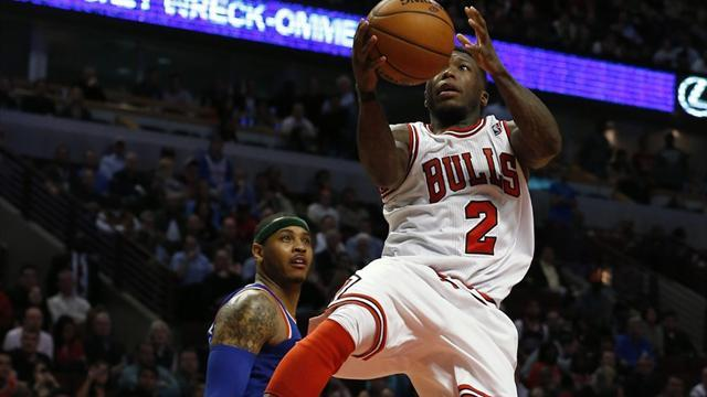 Basketball - Nuggets snap up Nate Robinson