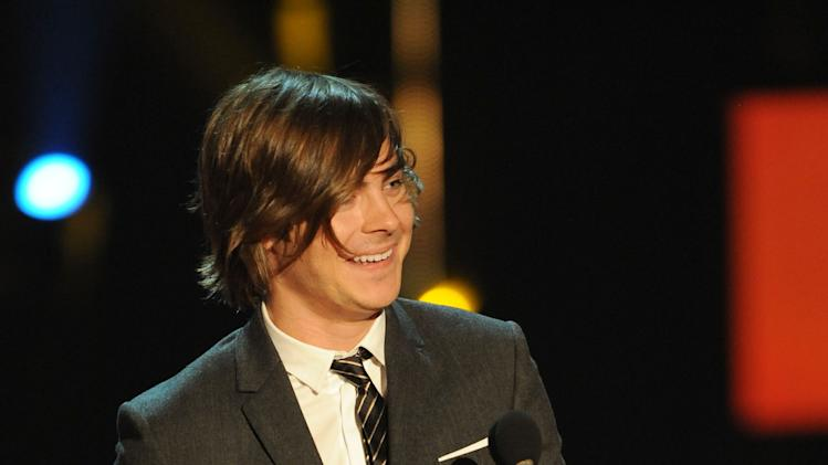 Actor Zac Efron onstage during the 2009 MTV Movie Awards held at the Gibson Amphitheatre on May 31, 2009 in Universal City, California.