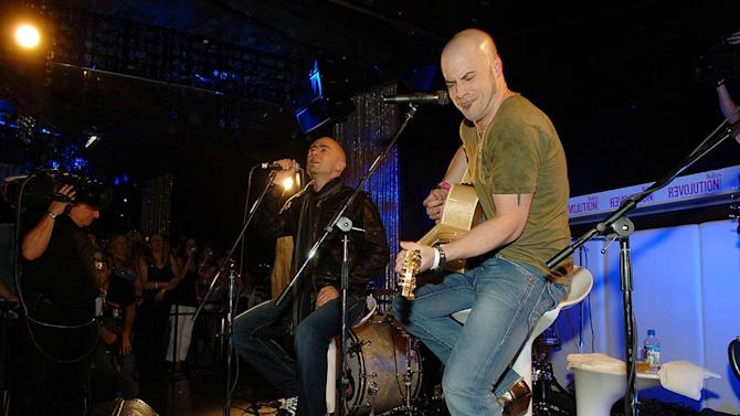 Daughtry Acoustic Cncrt