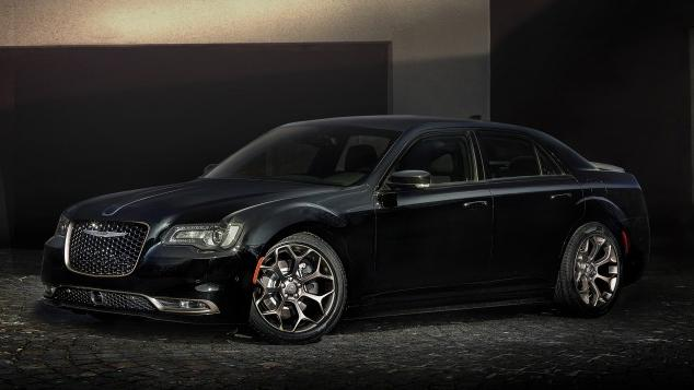 2016 chrysler 200 and 300 get alloy edition treatment yahoo sports canada. Black Bedroom Furniture Sets. Home Design Ideas
