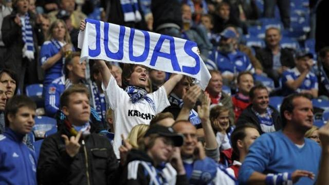 Bundesliga - Schalke fans banned from taking flags, banners to derby