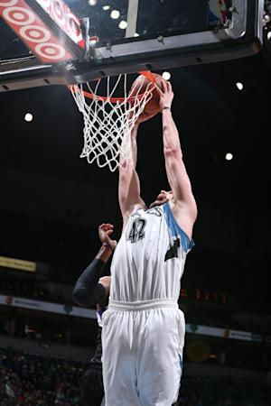 Love, Dieng double-double and T-Wolves beat Kings