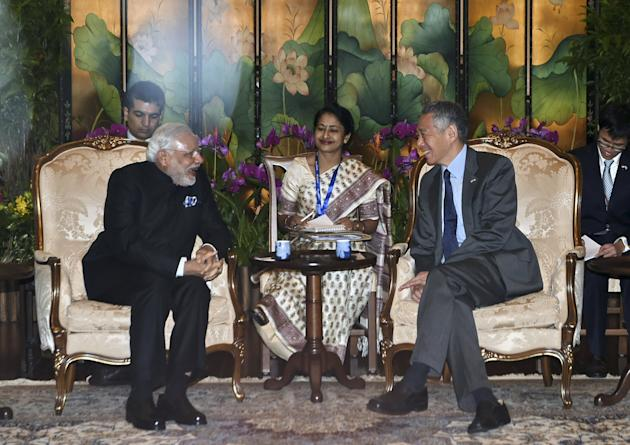 India's PM Narendra Modi meets with Singapore's PM Lee Hsien Loong at the Istana in Singapore