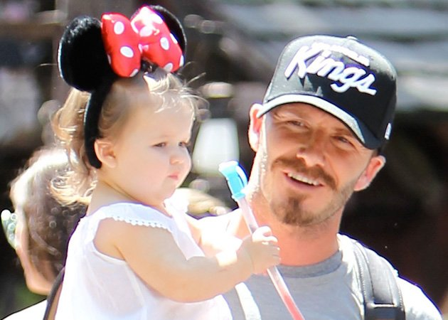 Harper Beckham, David Beckham, Disneyland, Minnie Mouse ears