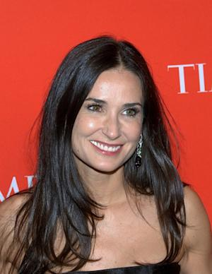 Does Demi Moore Deserve to Get Alimony from Ashton Kutcher?