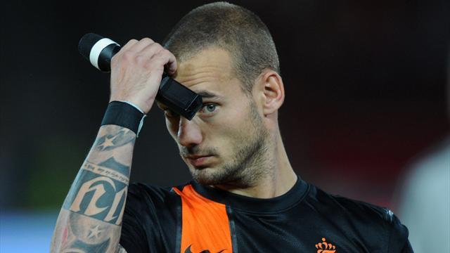 Football - Sneijder not getting the message, says van Gaal