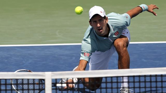 Tennis - Djokovic crashes out to Isner, Nadal downs Federer