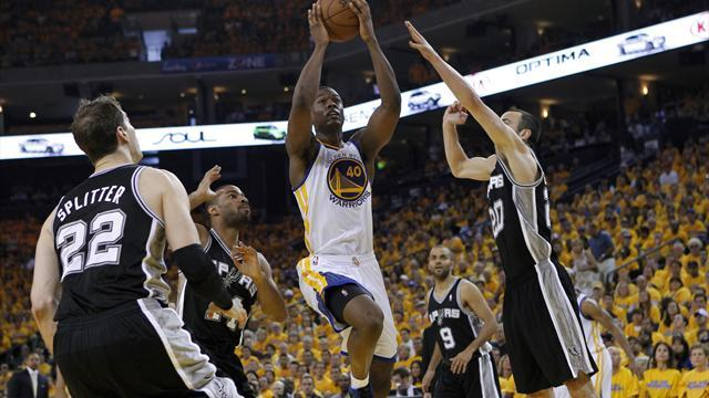 Basketball - Warriors edge Spurs in overtime