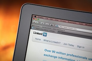Dress Your LinkedIn for Success