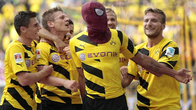 Bundesliga - Dortmund advance in German Cup, Stuttgart crash out