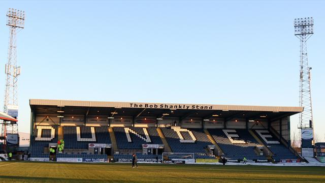 Scottish Football - Dundee thrash Morton, Hibs edge Aberdeen