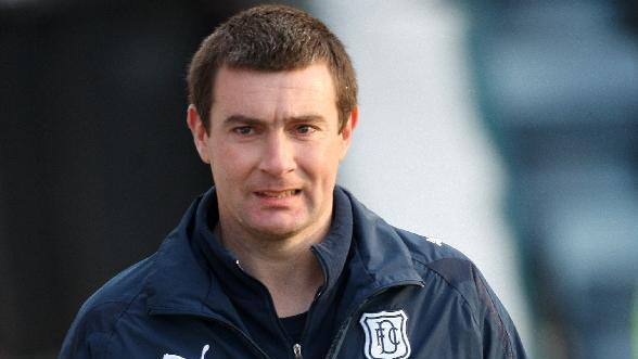 Barry Smith has urged Dundee to show they belong in the SPL