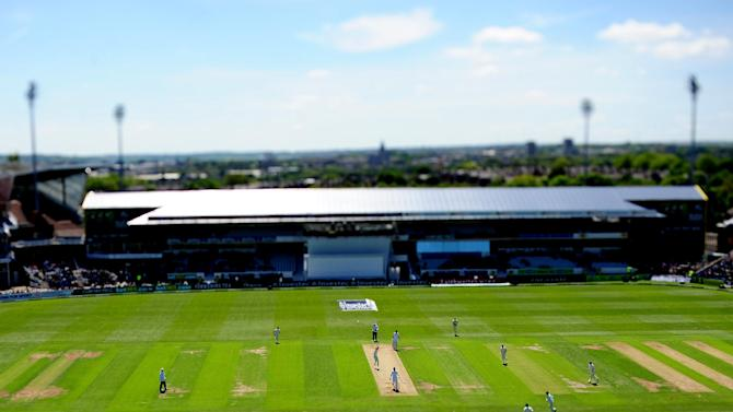 Cricket - Investec Test Series - Second Test - England v New Zealand - Day Two - Headingley