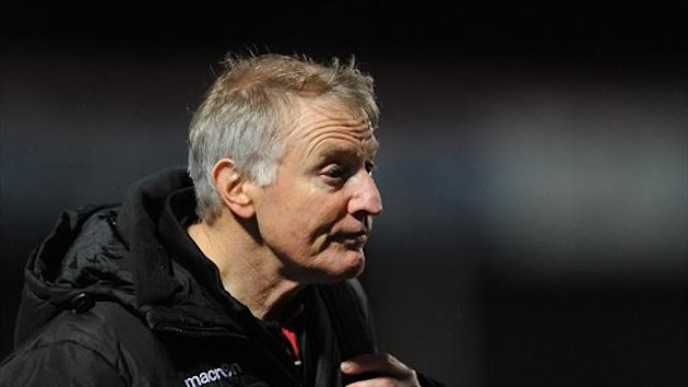 Edinburgh head coach Alan Solomons, pictured, has added stand-off Carl Bezuidenhout to his squad ahead of Saturday's match against Perpignan.