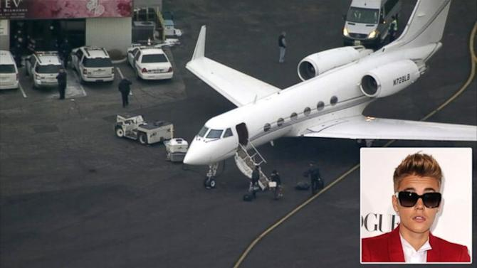Justin Bieber's Plane Held in NJ on Suspicion of Marijuana