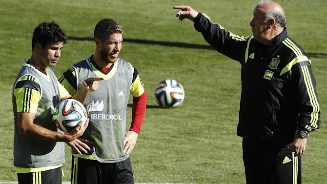 World Cup - Spain can cope with packed defences - Del Bosque
