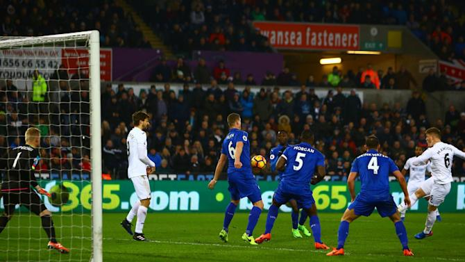 Leicester's loss at Swansea puts more relegation pressure on Crystal Palace