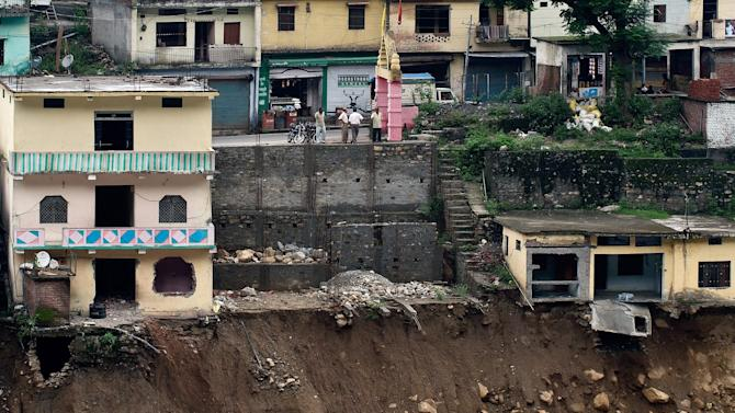 Rescuers make final push in Uttarakhand Rescuers make final push in Uttarakhand