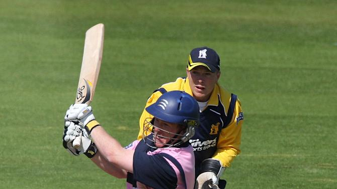 Eoin Morgan scored an unbeaten 120 off 80 balls for Middlesex