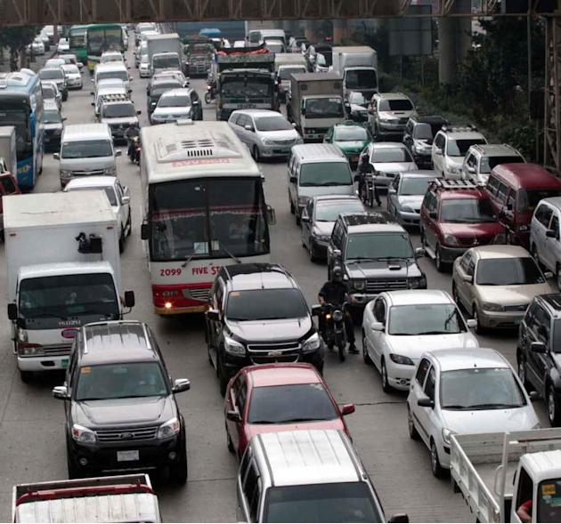 MMDA won't enforce 'no registration, no travel'
