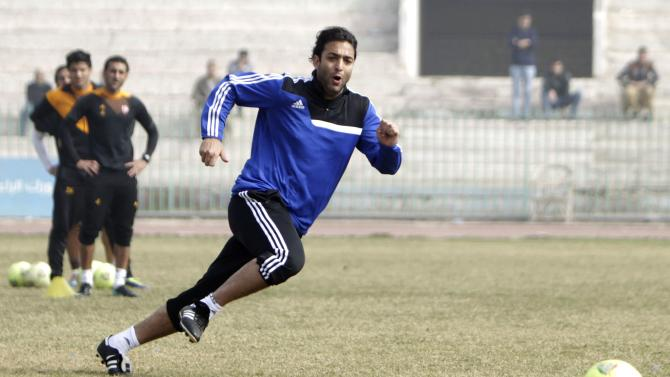 """Ahmed Hossam """"Mido"""", new head coach of Zamalek, attends his first soccer training session in Cairo"""