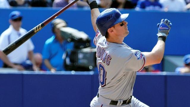 Baseball - Phillies acquire infielder Young from Rangers