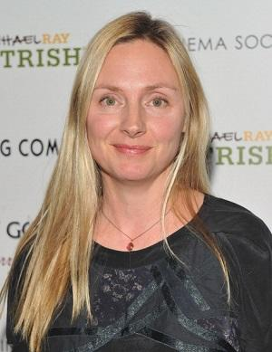 'About Schmidt' Star Hope Davis Cast in CBS Political Pilot