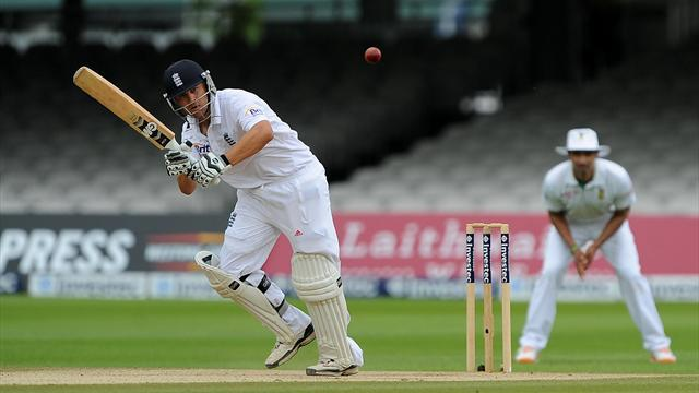 Cricket - Trott unmoved as England eye series win