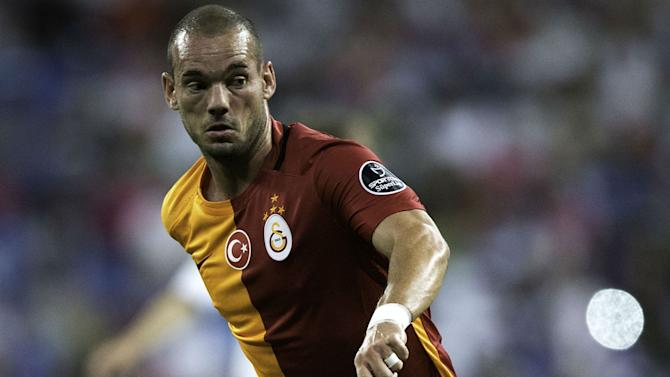 Sneijder extends Galatasaray stay