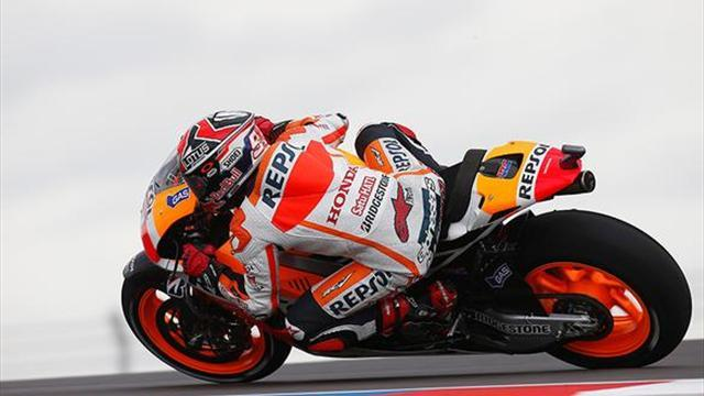 Motorcycling - Marquez quicker again as Rossi closes in