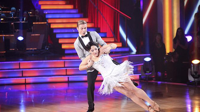 """Derek Hough and Ricki Lake perform on """"Dancing With the Stars."""""""