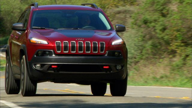 Jeep Cherokee tackles the trail like no competitor but stumbles on the road (CNET On Cars, Episode 39)