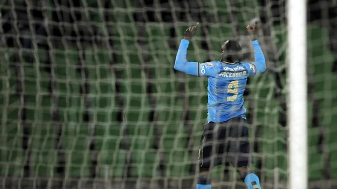 FC Porto's Jackson Martinez, from Colombia, celebrates after scoring his team's second goal against Rio Ave in a Portuguese League soccer match, in Vila do Conde, northern Portugal, Sunday, Dec. 15, 2013