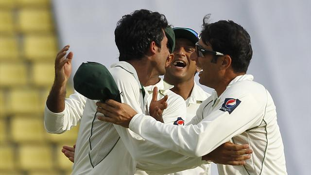 Cricket - Bhatti and Junaid bowl Pakistan into strong position