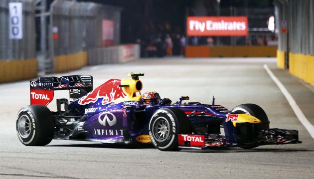 Red Bull Formula One driver Webber drives during the qualifying session of the Singapore F1 Grand Prix in Singapore