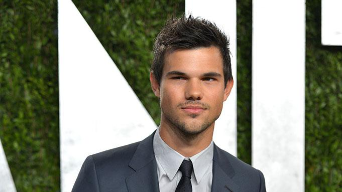 2013 Vanity Fair Oscar Party Hosted By Graydon Carter - Arrivals: Taylor Lautner