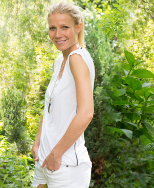 Gwyneth Paltrow white t-shirt