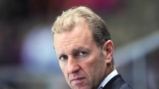 Premier League - Southampton appoint ice hockey coach as new chairman