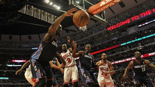 NBA - Bobcats beat Bulls to halt 18-game slide