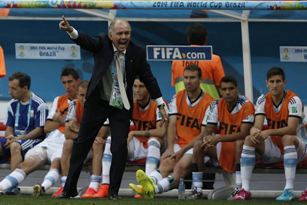 Argentina manager 'nearly faints', mocked on Twitter
