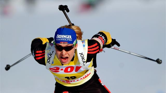 Biathlon - Neuner overcomes misses to win in Russia