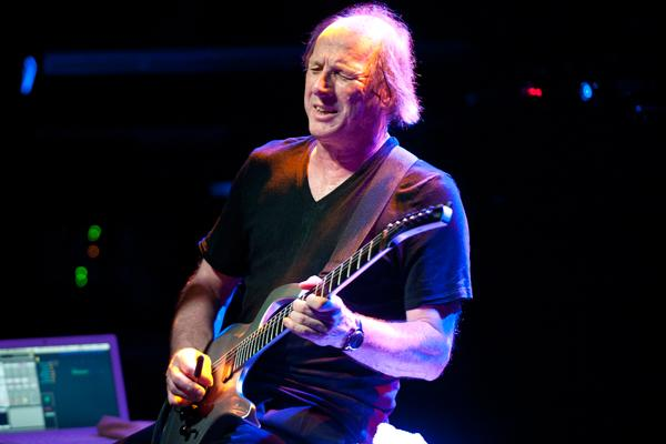Adrian Belew Leaves Nine Inch Nails