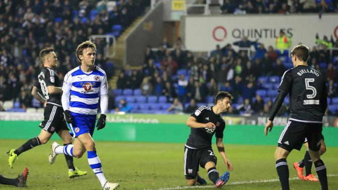 Reading 3 Brentford 2: Daniel Bentley mistakes sees Bees miss out