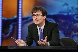 'Daily Show's John Oliver To Host Weekly Comedy Talk Show For HBO