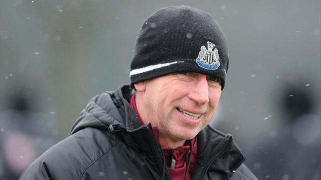 Football - Moscow holds mystery for Pardew
