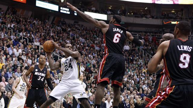Basketball - Jazz stifle Heat as Miami's road woes continue