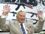 Mikhail Kalashnikov gestures during a news event marking the 200th anniversary of the Izhmash firearms producer in Izhevsk in this August 7, 2007 file photo. REUTERS/Sergei Karpukhin