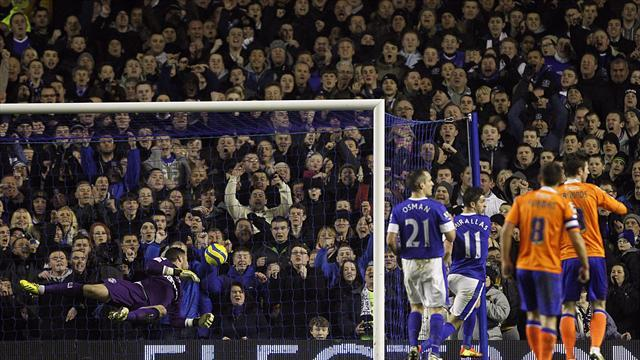 Football - Round: Signs look good for Everton