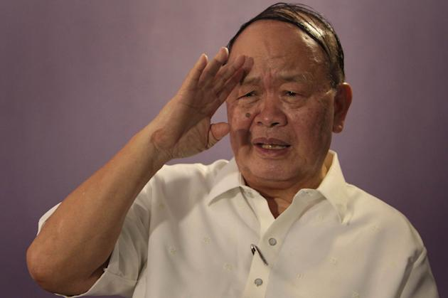 Senatorial aspirant and former Philippine Constabulary Chief Ramon Montaño gestures during an interview with Yahoo! Southeast Asia Feb. 7. (George Calvelo, NPPA Images)