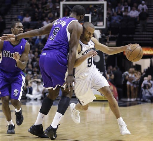 Spurs beat Kings but lose Parker to ankle injury